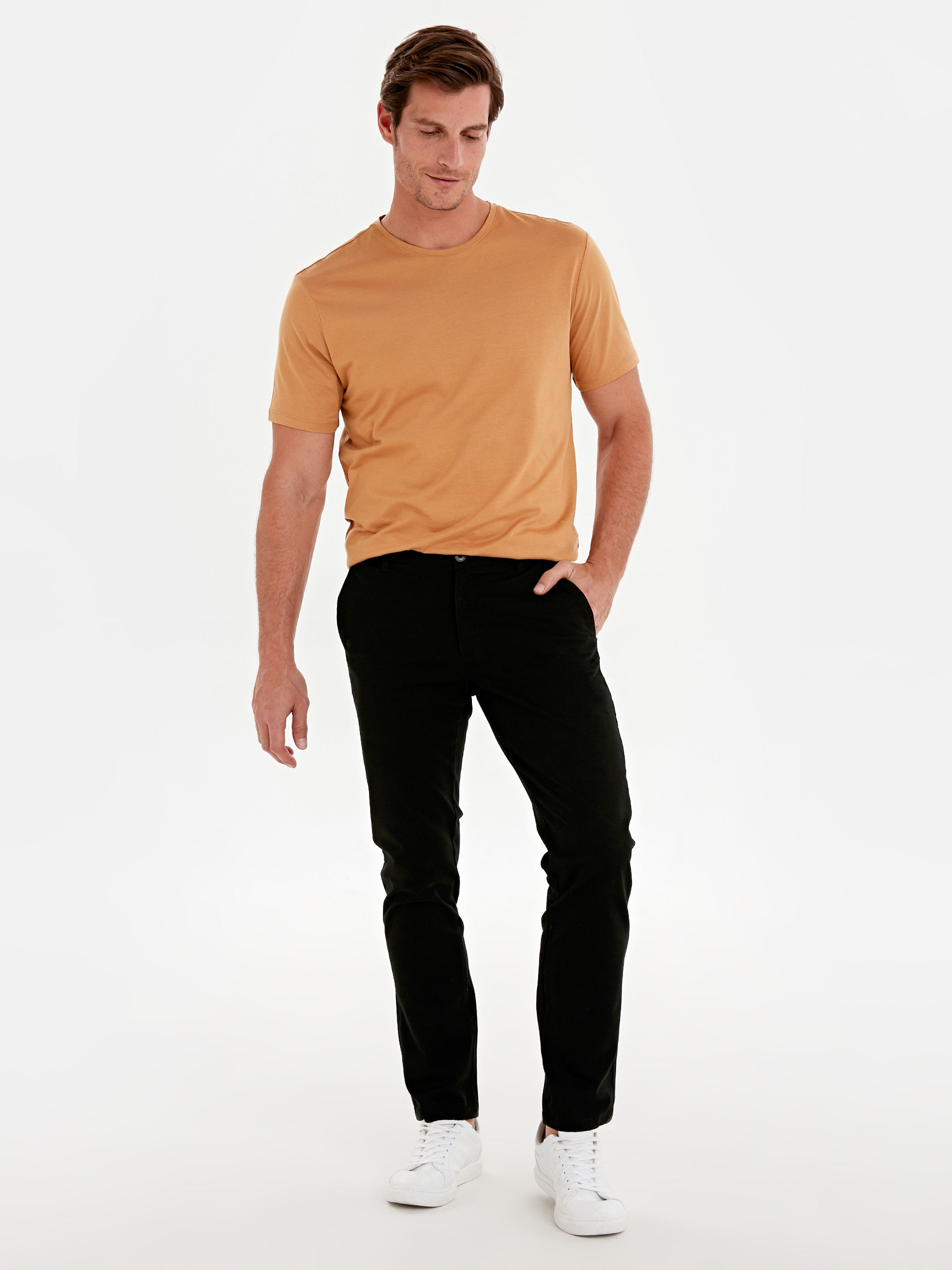 BLACK - Chino Trousers - 9W1023Z8
