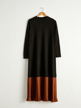 BLACK - Pleated Detail Long Dress