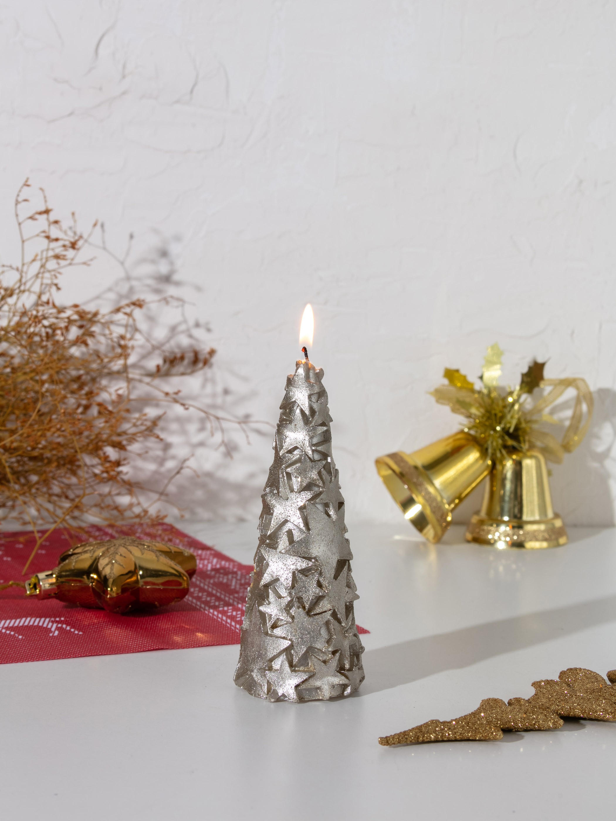 YELLOW - Christmas Themed Decorative Candle - 0WG283Z8